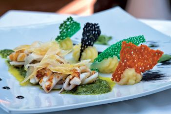 Squid with rocket pesto and potatoes