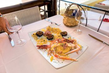 Vermicelloni with raw seafood