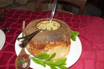 Pasta e patate in crosta di pane