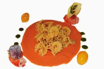 Pulses with red shrimps and ginger on gazpacho of marinated tomato with basil