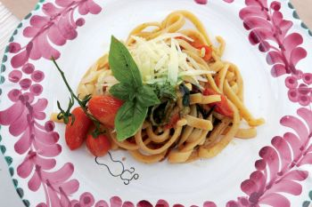 Scialatielli with vegetables and basil